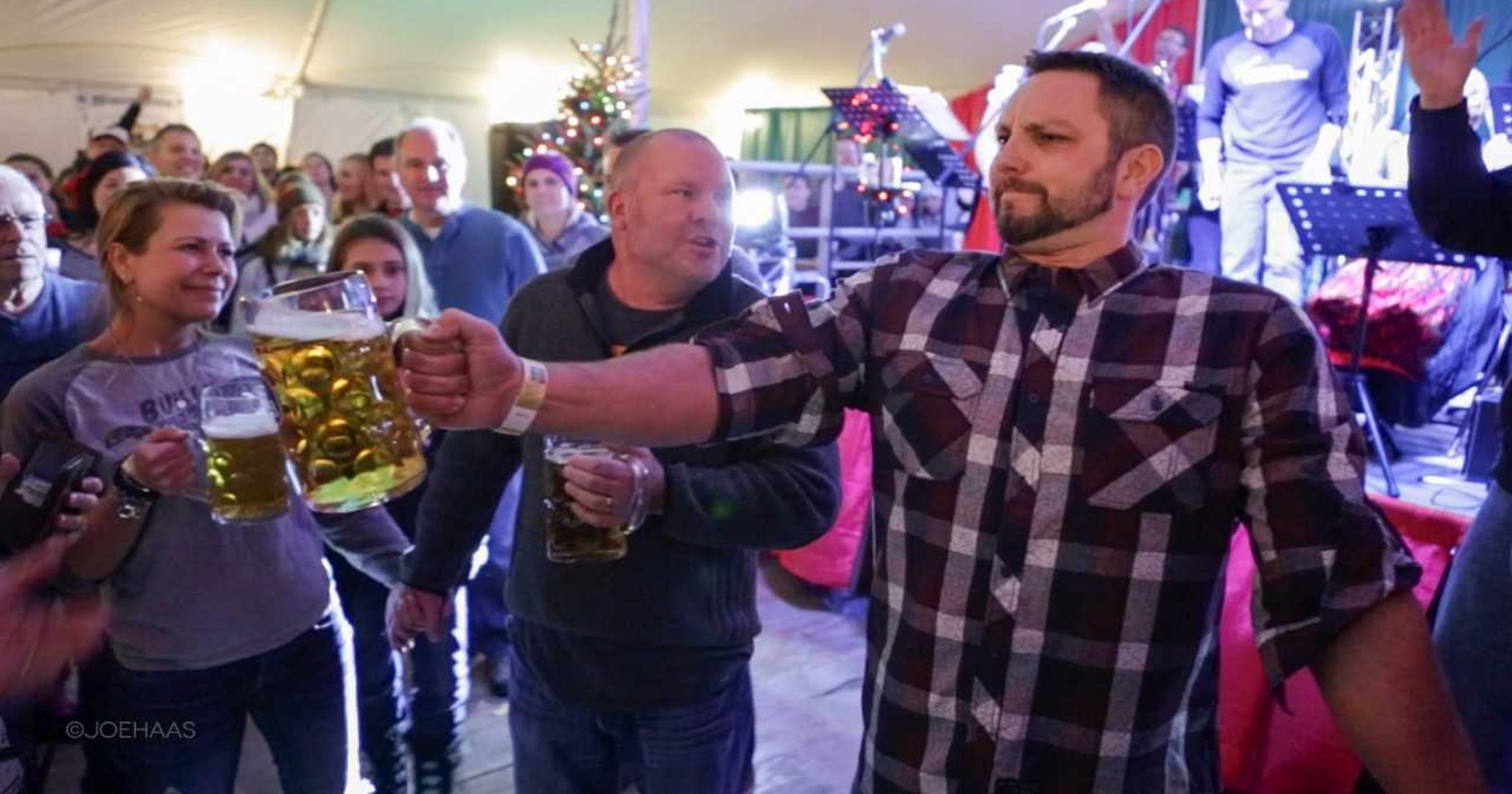Ixonia man competes in national beer steinholding competition