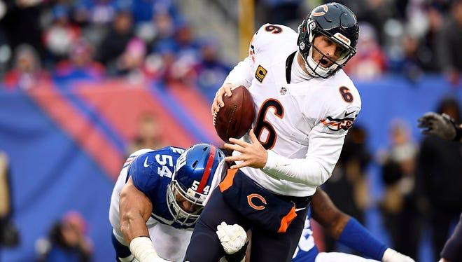 New York Giants defensive end Olivier Vernon (54) sacks Chicago Bears quarterback Jay Cutler (6).