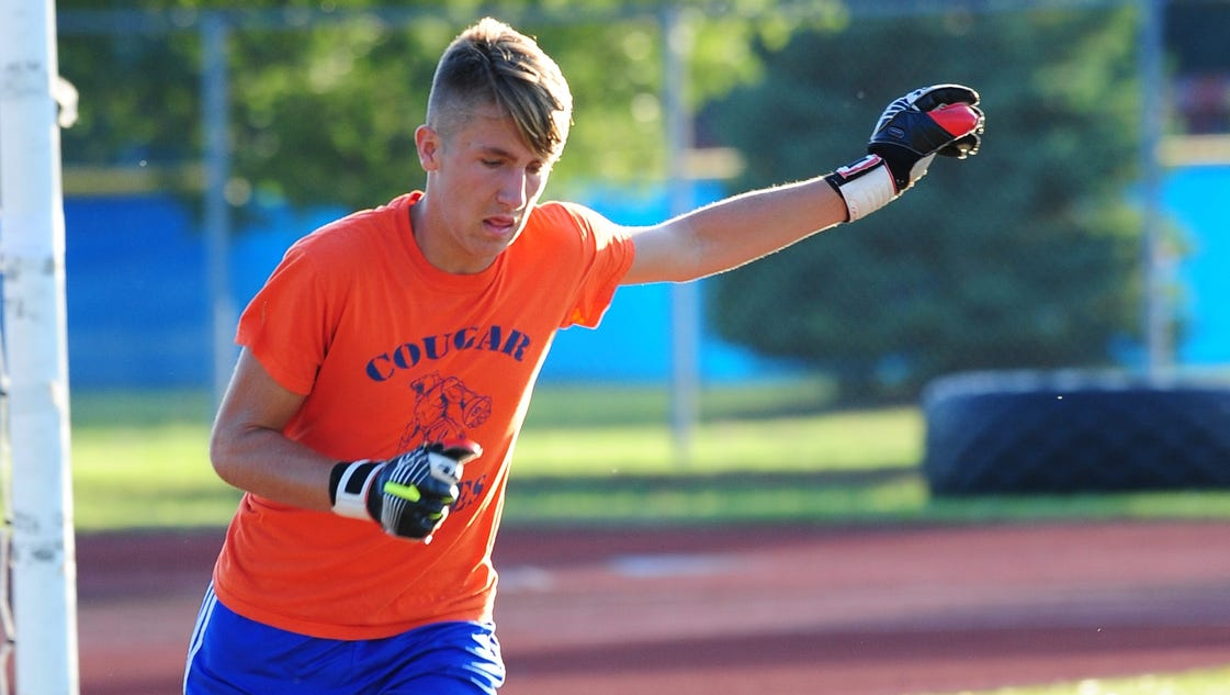 Cougars Sweep Redford Soccer Foes