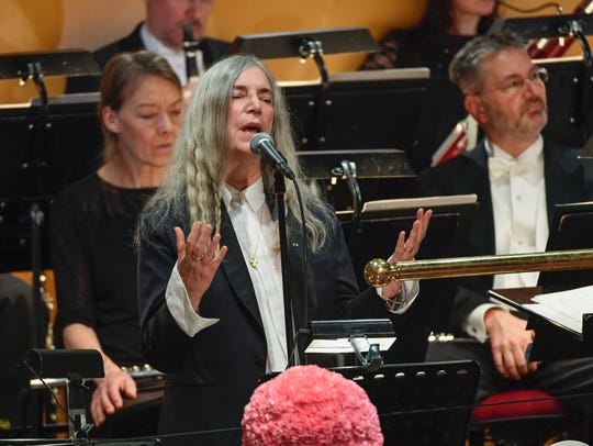 Patti Smith performs 'A Hard Rain's A-Gonna Fall' by