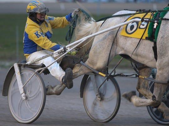 DFP horse racing in (2)