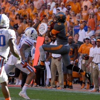 Tennessee wide receiver Jauan Jennings (15) catches a pass in the final minutes of first half action against Florida Saturday, September 24, 2016 at Neyland Stadium in Knoxville, Tenn. (MICHAEL PATRICK/NEWS SENTINEL)
