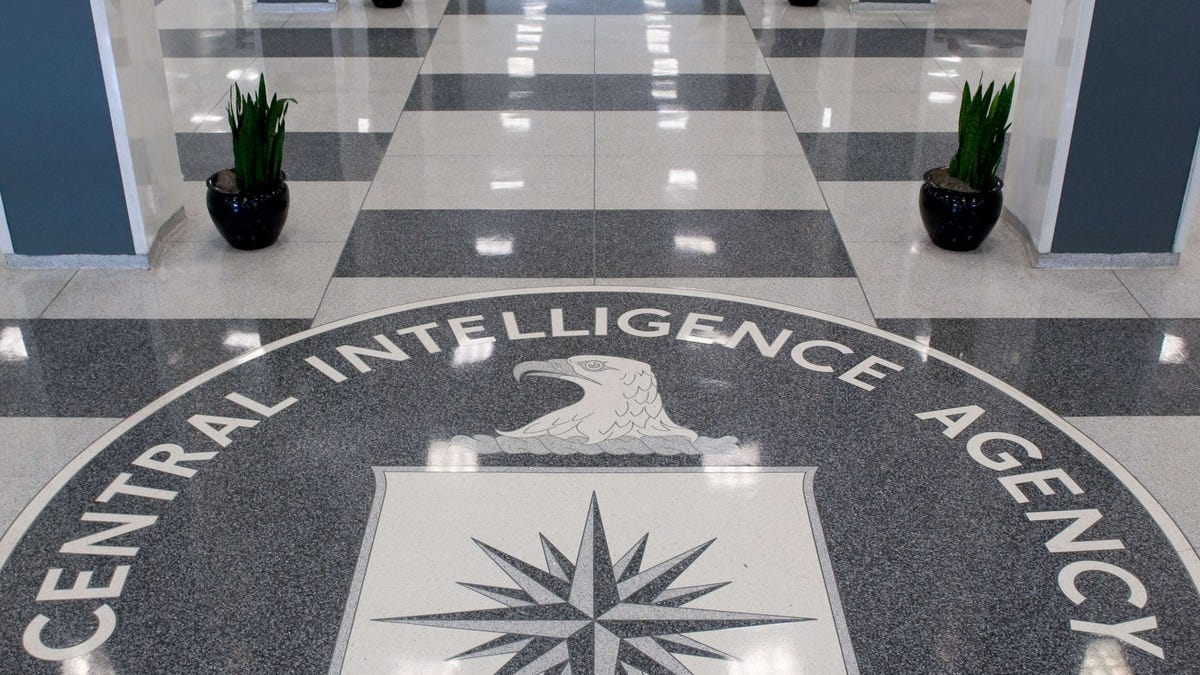 FBI agent shoots armed man outside CIA headquarters 2