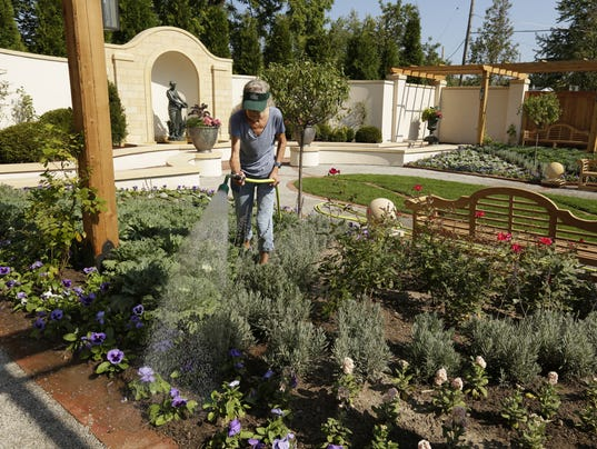 See The Paine Art Center 39 S New Formal Garden For Free On Sunday