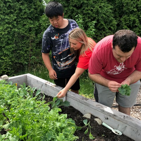 This 'therapy' garden is teaching Louisville kids to love vegetables