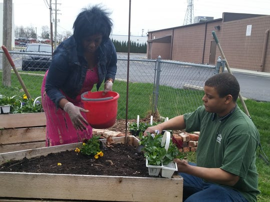 Uaw local 900 garden to provide food for local veterans for Ford motor company employee login