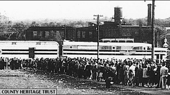 Queue of Yorkers waiting to enter the Freedom Train within the York Fairgrounds, York, PA, on October 10, 1948 (Photo from Collections of York County Heritage Trust)