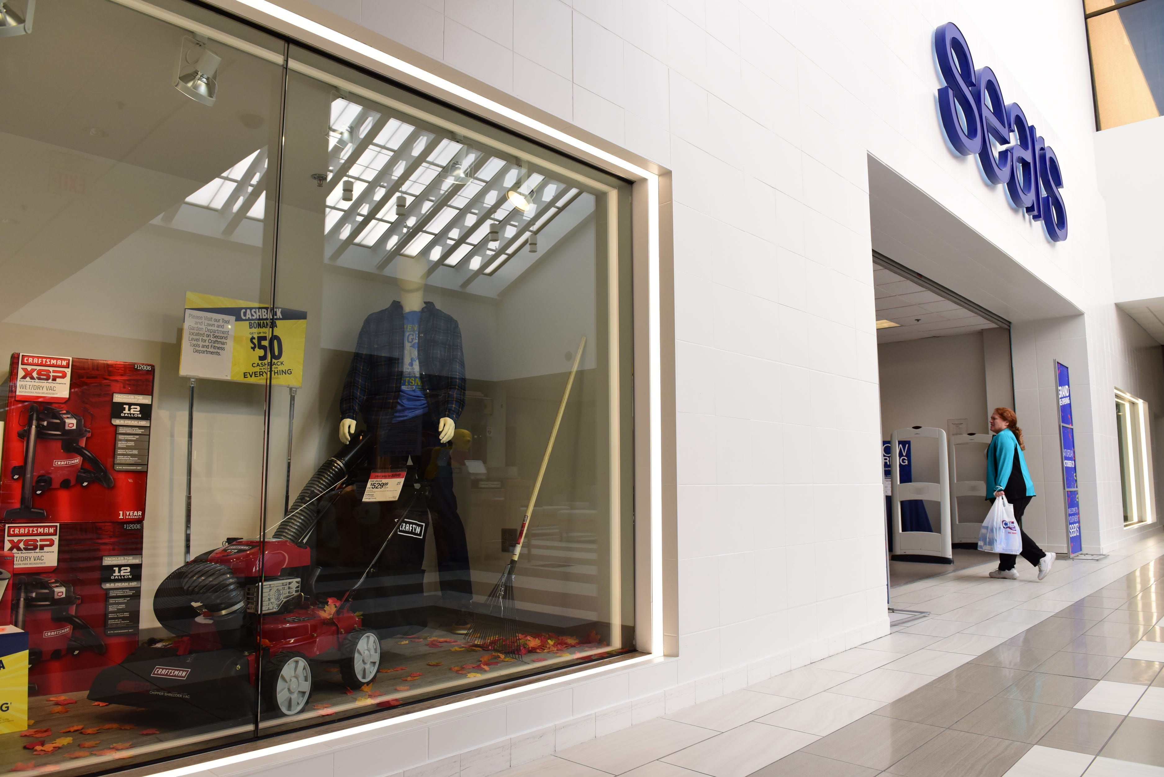 Sears store at Waynes Willowbrook Mall downsizes