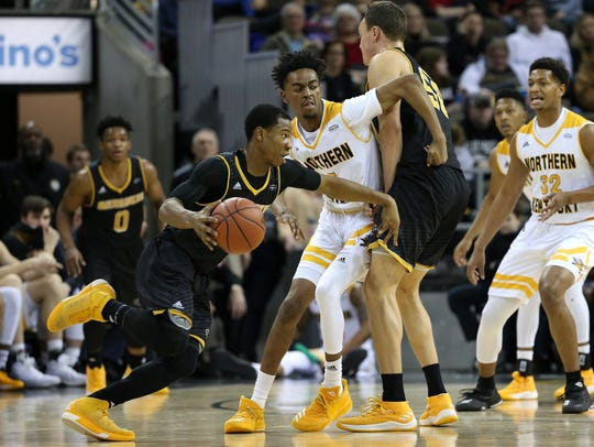Northern Kentucky Norse forward Jalen Tate (5) fights