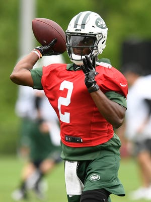 New York Jets quarterback Teddy Bridgewater throws the ball during the first day of OTA's in Florham Park, NJ on Tuesday, May 22, 2018.