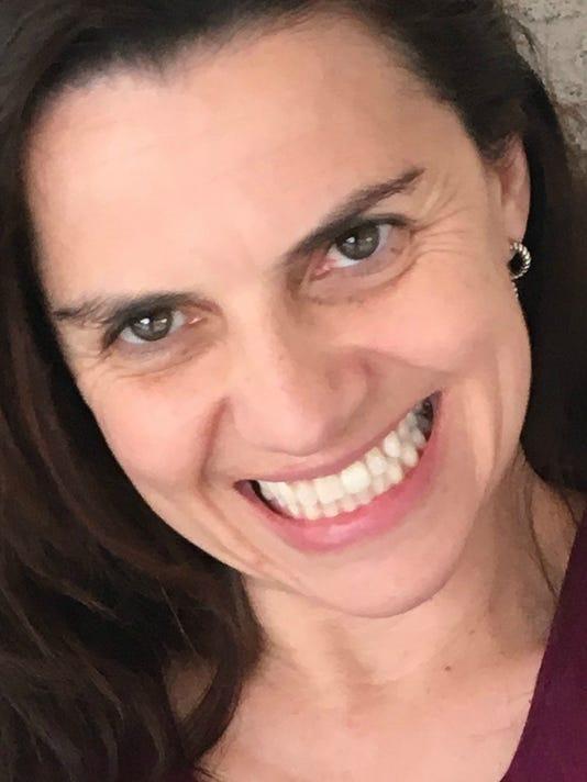 Julia De Simone