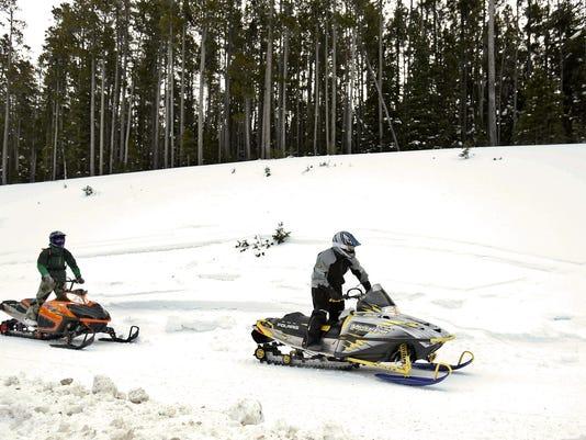 636463375649145628-Snowmobile-1.jpg