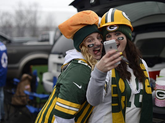 ES_GPG_Packers vs. Bills_12.14.14