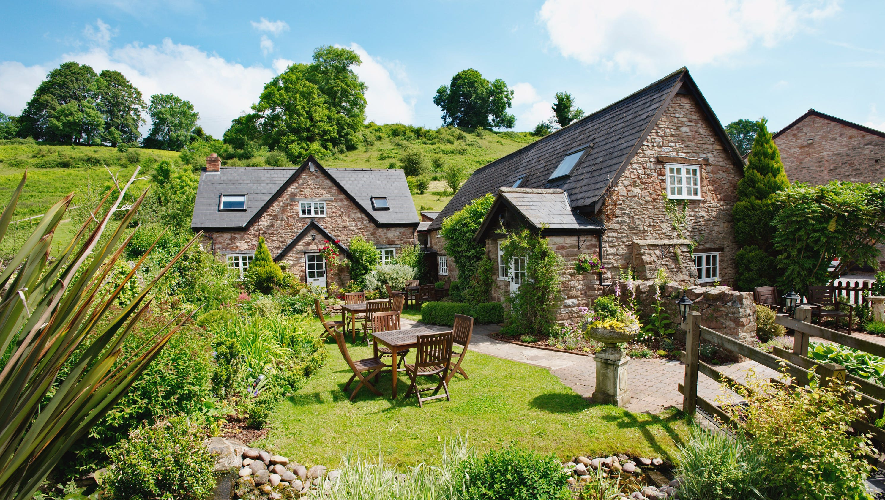 British hotels for hikers, amblers and ramblers