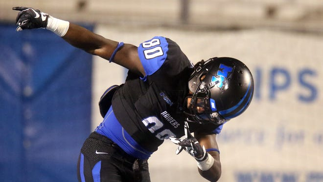 MTSU's Ed Batties (80) will take a bow for MTSU for the final time on Thursday in the Popeyes Bahamas Bowl.