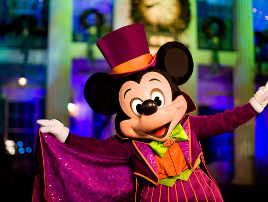 Mickey's Halloween Party at Disneyland: 5 tips for novices
