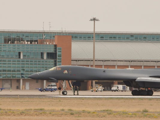 B1B-lancer-at-MAF-