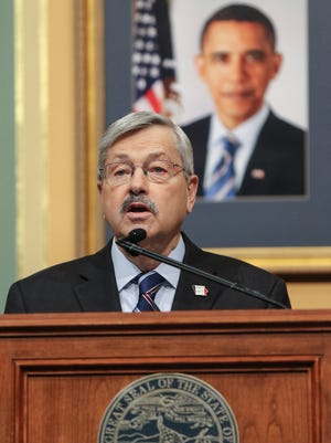 Governor Terry E. Branstad gives the annual Condition of the State Address at the Iowa Capitol Tuesday, Jan. 12, 2016.
