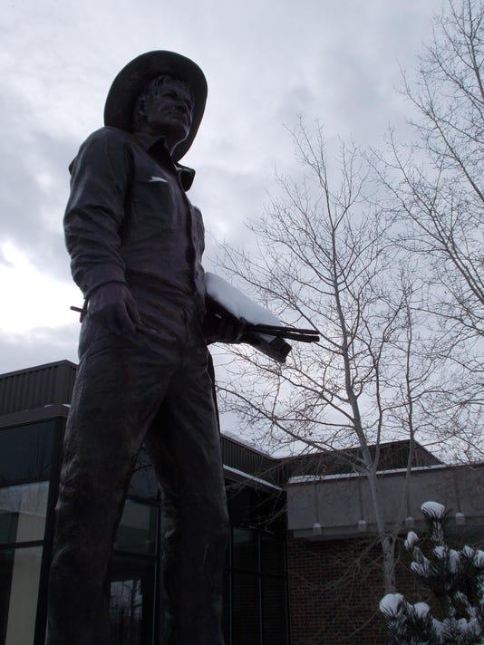 -Charlie Russell Museum Statue - for online.JPG_20140302.jpg