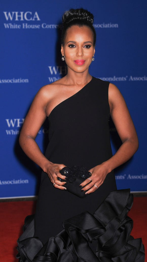 Kerry (and her plus-one?) on the WHCD red carpet on