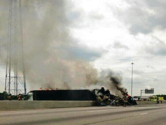 No serious injuries after fiery crash shuts down I-75