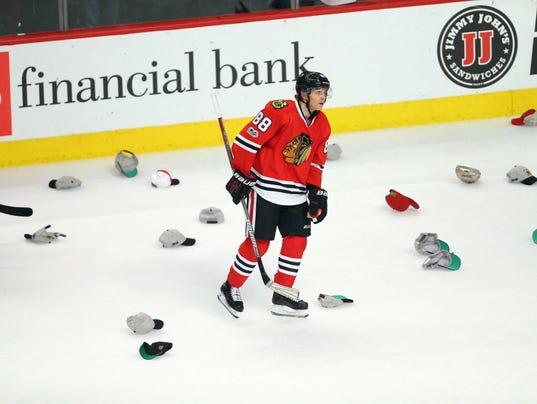 CHICAGO (AP) — Patrick Kane and the Chicago Blackhawks pushed aside the  Pittsburgh Penguins. Kane had his second hat trick in three games 627cde526