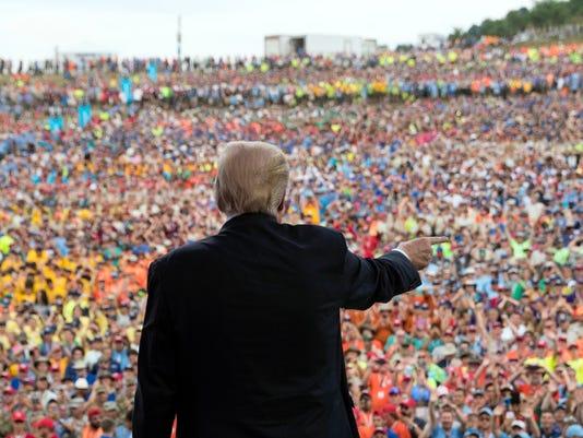 636367539505066327-Trump1.JPG