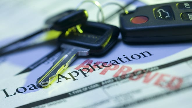 The federal Consumer Financial Protection Bureau said five auto-title lenders failed to disclose interest charges in a required format in online advertisements.