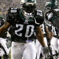 As Hall induction nears, Eagles' Brian Dawkins shows difference from T.O.
