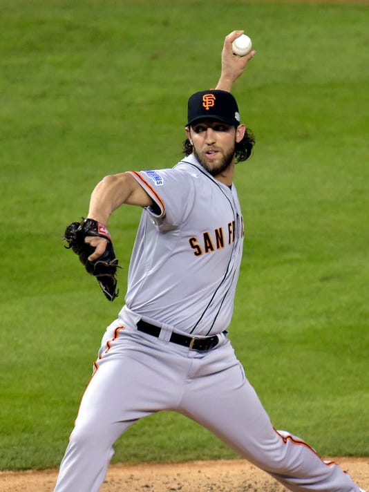 USP MLB: WORLD SERIES-SAN FRANCISCO GIANTS AT KANS S BBO USA MO