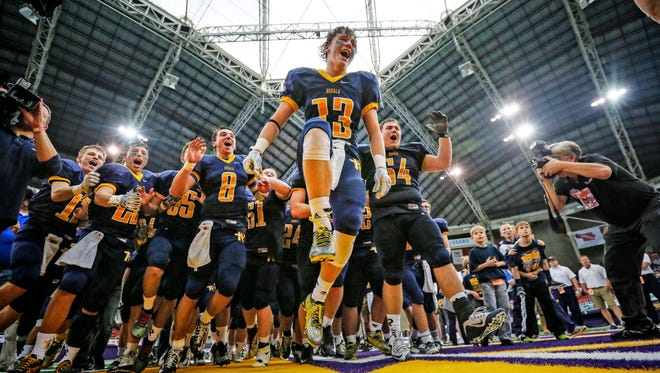 Six-time defending champion Iowa City Regina will attempt to avenge its only loss of 2015 at Cedar Rapids Xavier in Week 1.