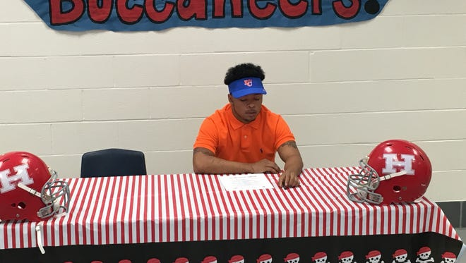 Kei'Untre Normandin plans to play football next season at Louisiana College.