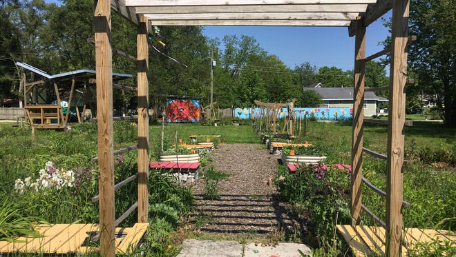 Motivate Our Minds' garden sits empty Thursday afternoon on the 900 block of N. Burns St. An argument over property has left the garden untended since October 2015.