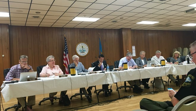 Restaurant and bar size limitations continues to spark a heated dialogue between business owners, residents and the city board. The issue was discussed at a Wednesday, Sept. 7 mayor and commissioners' meeting on the second floor of the Rehoboth Volunteer Fire Company.
