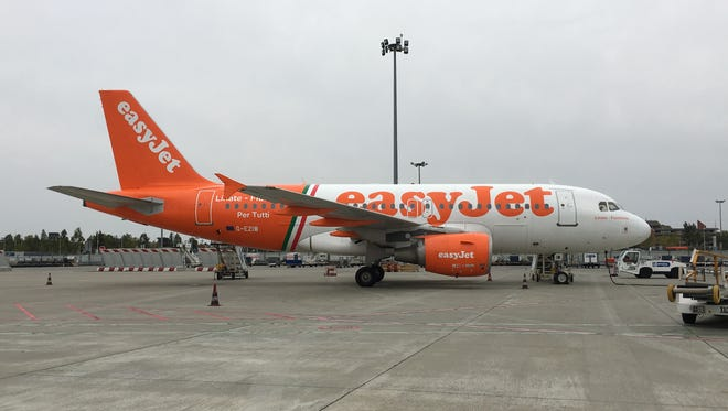 An Airbus A319 for British discount carrier easyJet sits at the Toulouse-Blagnac International Airport in France on Oct. 12, 2016.