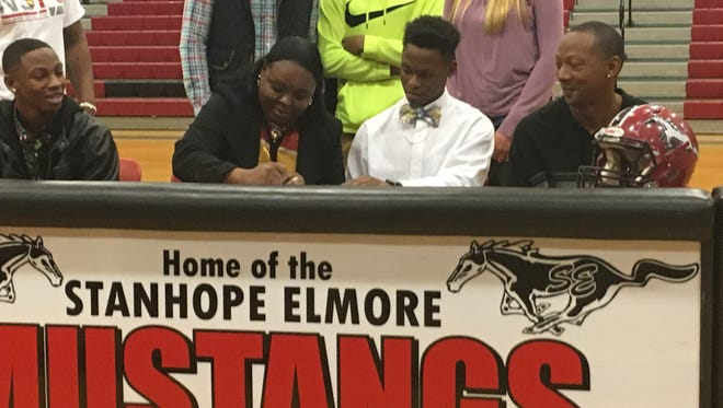 Quinaz Turner, of Stanhope Elmore High School, signed with Iowa Central Community College on Wednesday.