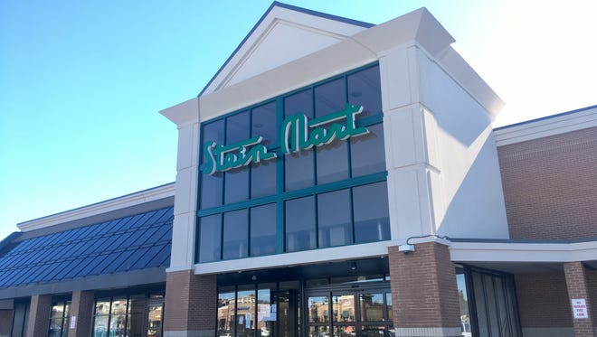 Stein Mart opens new store in Brentwood in former Kroger location off Franklin Road in Brentwood.
