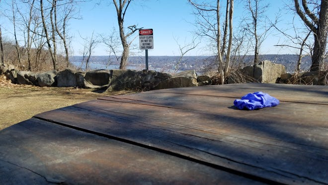 Palisades Parkway Police discovered the body of a woman near State Line Outlook in Palisades Interstate Park on Wednesday night. Police are not considering the death a homicide.