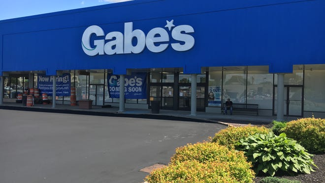 The discount retail chain Gabe's will open its second Delaware location in the Prices Corner Shopping Center on June 3.