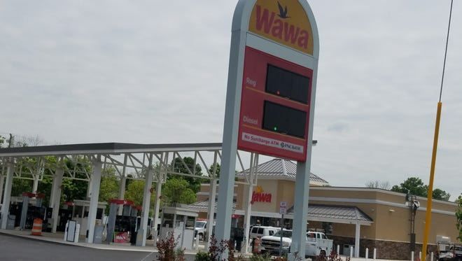 Wawa is hoping to build a new store in Edison and demolish and rebuild an existing store in North Brunswick.