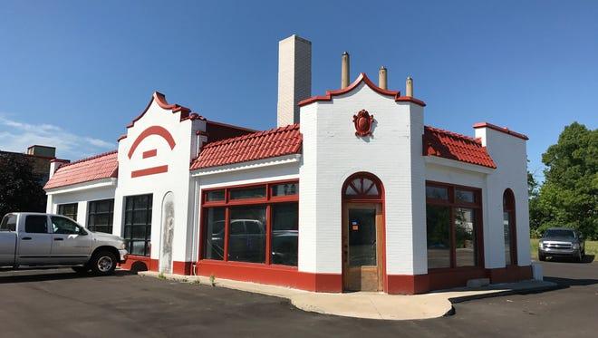 Pablo Maldonado will turn the former Standard Oil station at 1102 S. Washington Ave. in REO Town, into Pablo's Mexican Restaurant. Maldonado runs Pablo's Panaderia in Old Town.