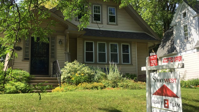 June sales of existing homes rose 0.9% in Wisconsin and 0.7% nationally.