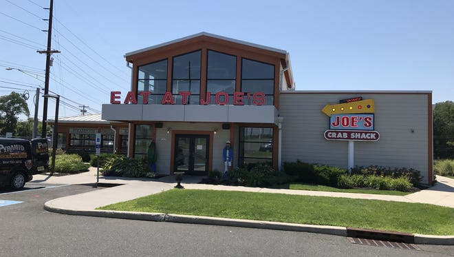 This Joe's Crab Shack is one of the many nationwide that abruptly closed its doors on Monday.