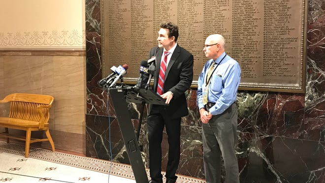Alds. Tony Zielinski (left) and Mark Borkowski said Thursday they're working to round up the votes to override the mayor's vetoon a proposal that would allow the Common Council to remove either a police or fire chief on a two-thirds vote.