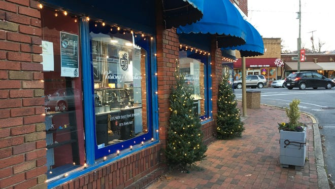 Thirty-five live, lighted Christmas trees line the sidewalks of West State Street, Cherry Street, Broadway Avenue, Sutton Avenue, and Black Mountain Avenue in downtown.