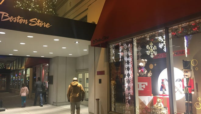 Boston Store, Younkers and other Bon-Ton Stores Inc. department stores plan to give away gift cards in a promotion starting at 7 a.m. Wednesday, the company.