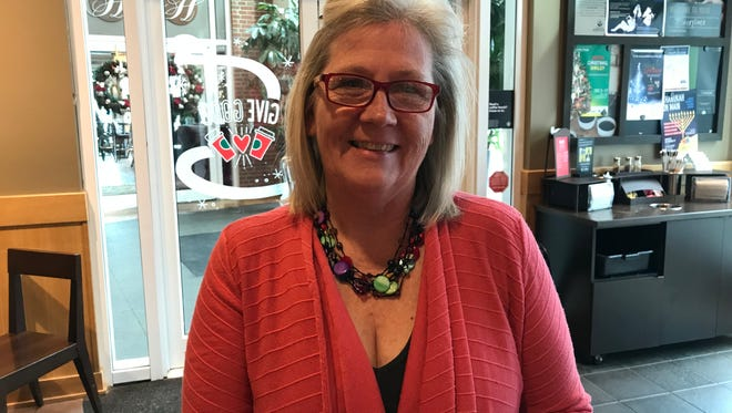 Robyn Grable is a Navy veteran whose company, Service to Civilian, helps other vets.