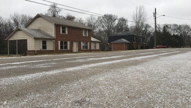 Murfreesboro saw barely a dusting of snow Friday and into Saturday morning. Although it is lightly snowing mid-morning, there seems to be little accumulation.