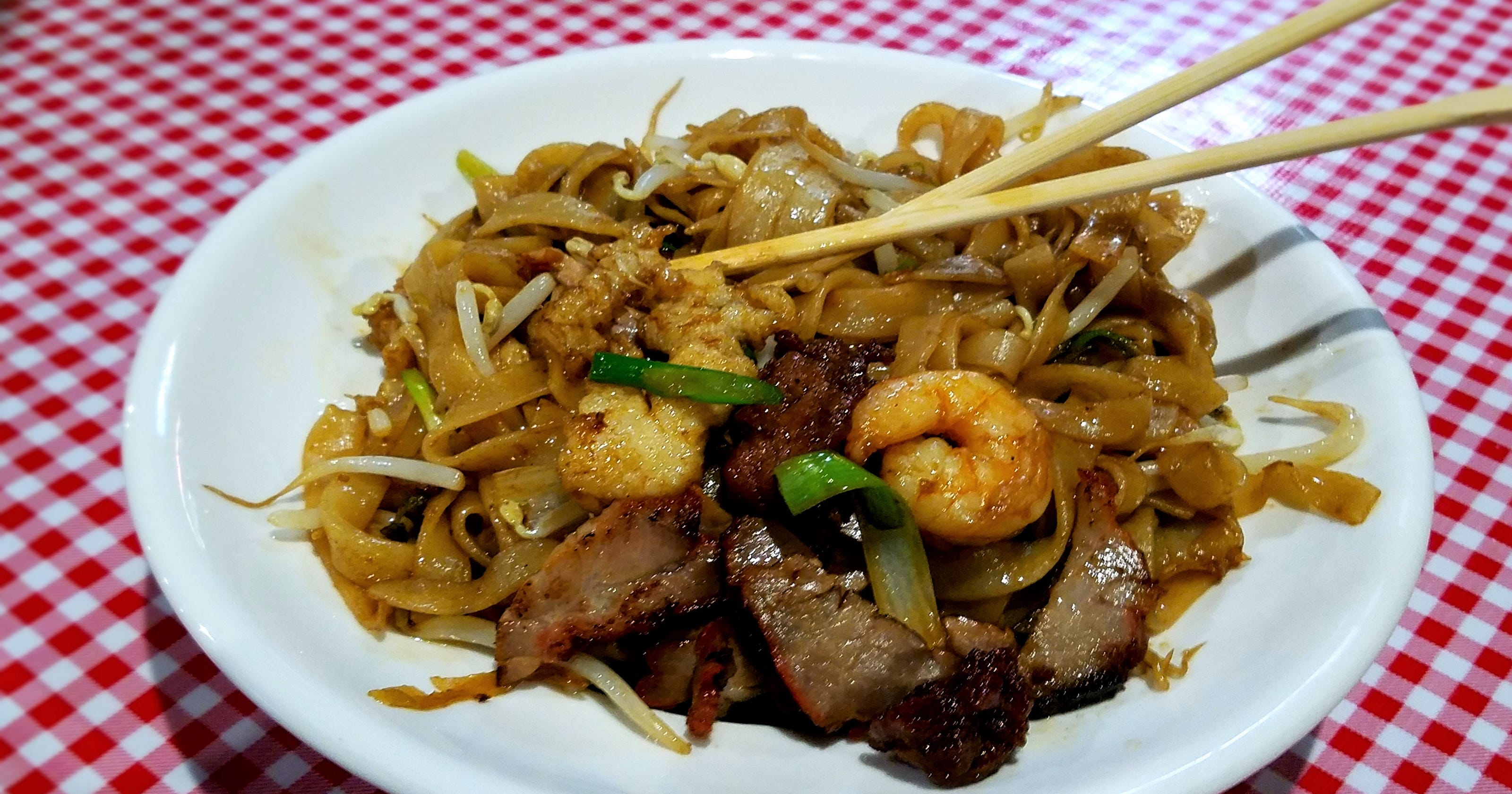 yang's shabu shabu offers many asian flavors