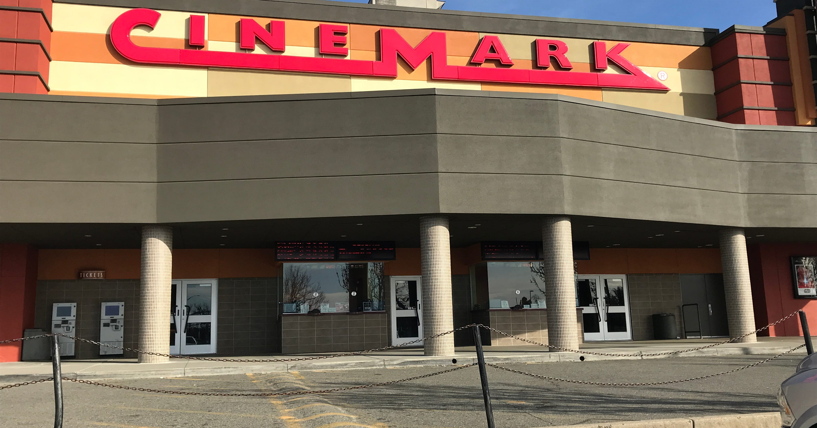 Cinemark 14 in Redding wants to serve alcohol